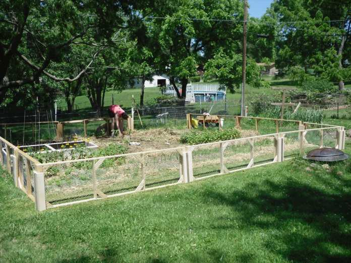 Simphome.com 10 garden fence ideas that truly creative inspiring and low cost in 2020