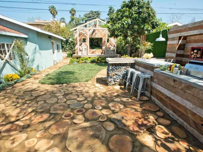 1.Simphome.com Rustic Backyard Transformation 1