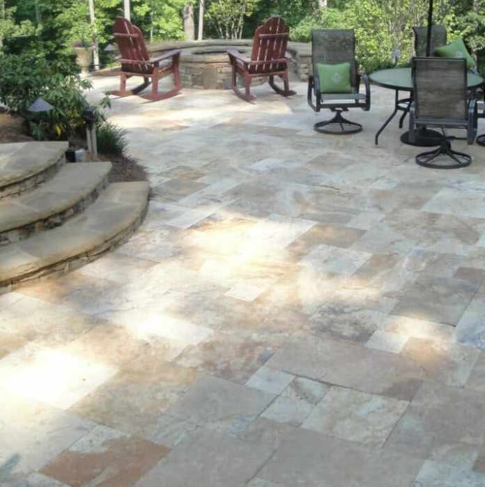 3.Simphome.com Garden with Travertine Pavers 2