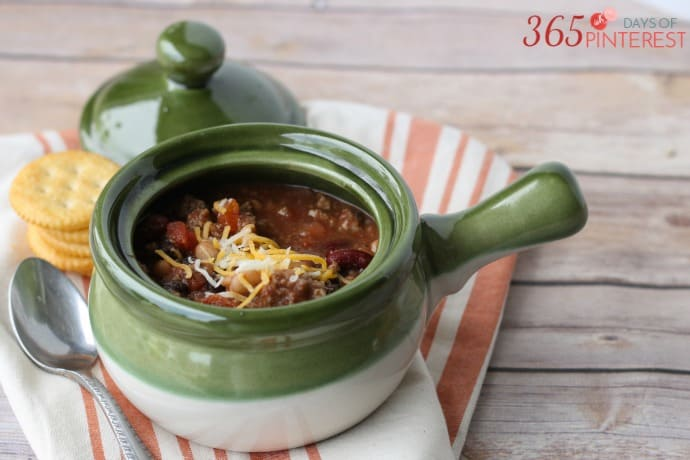 three-bean-chili-pot