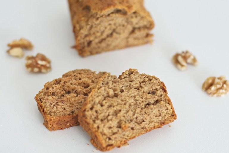 Healthy Banana bread with walnuts