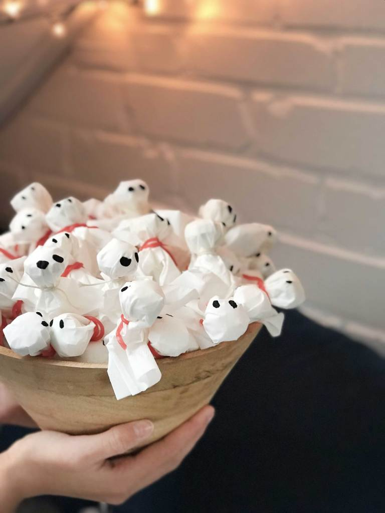 Ghost lollypops