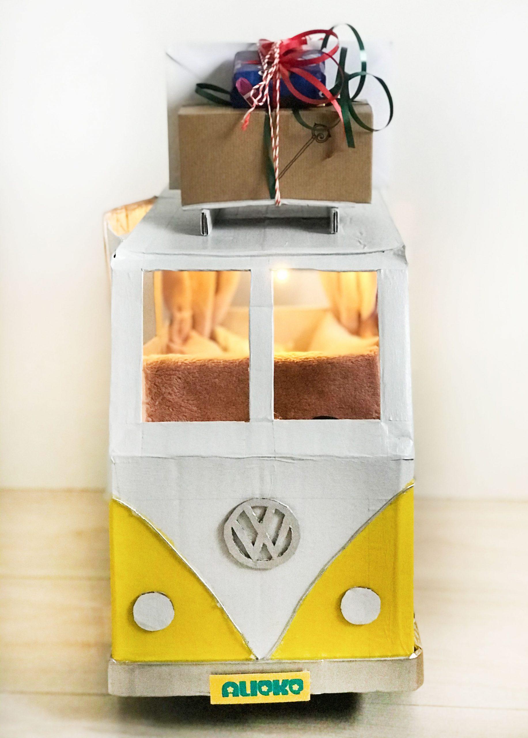 Volkswagen bus front