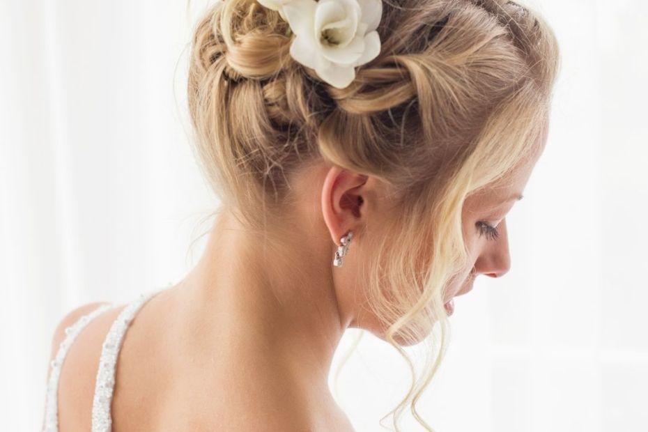 coiffure mariée fleurs stabilisées