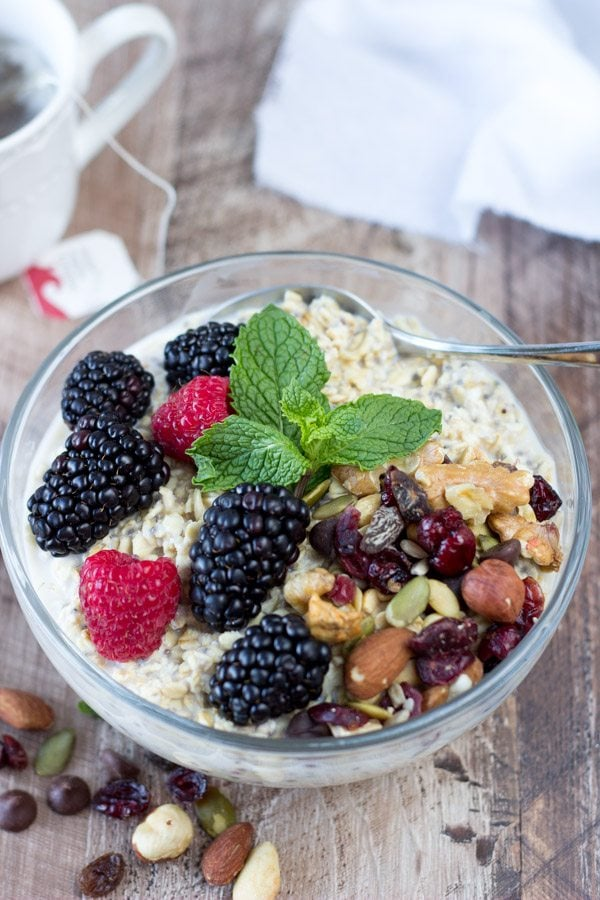 Hot or Cold Oatmeal Breakfast Bowl