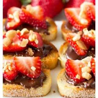 Strawberry Bruschetta | SimpleHealthyKitchen.com