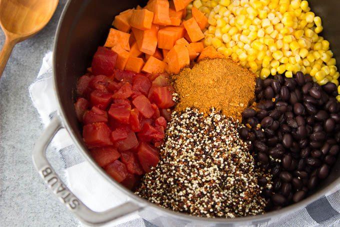 black_bean_enchilada_quinoa -one-pot 1
