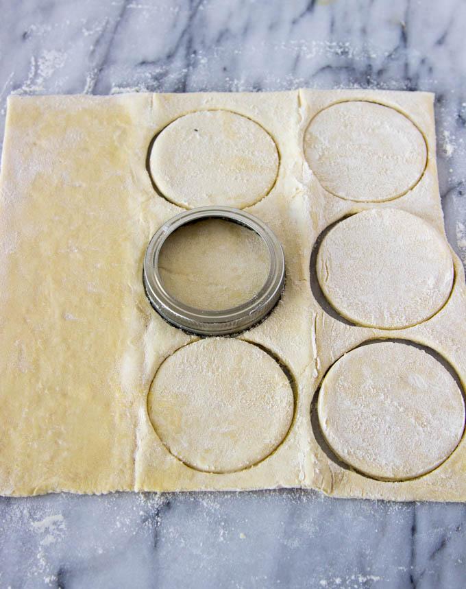 mini-caramel-apple-pies-2