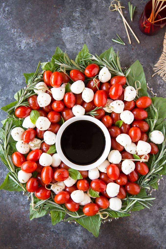 Caprese Salad Christmas Wreathfeatured 2
