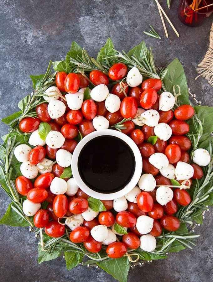 Caprese Salad Christmas Wreath Appetizer