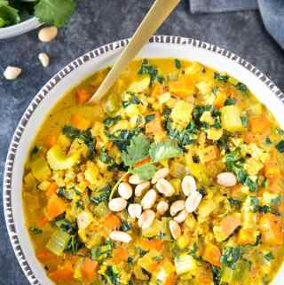 """Healthy Curried Cauliflower """"Rice"""" Soup"""