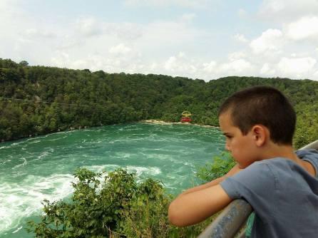 Visite à Niagara Falls Whirlpool turquoise
