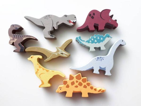 dinosaures en bois