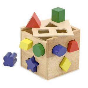Trieur carré de formes en bois