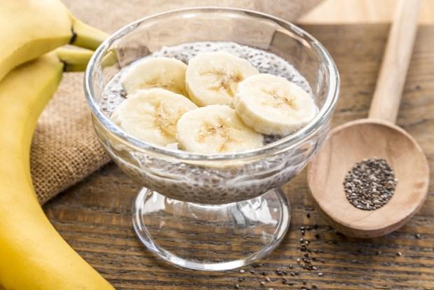 Chia mit Banane im Glas