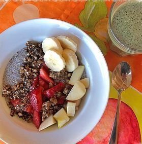 Porridge aux graines de chia et fruits