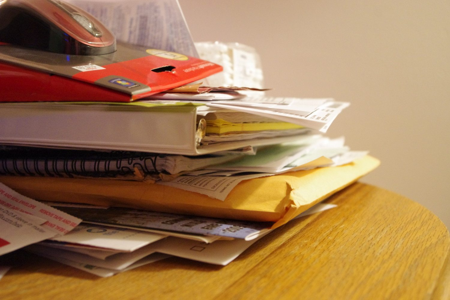 Simple Steps To Get Rid Of Paper Clutter For Good