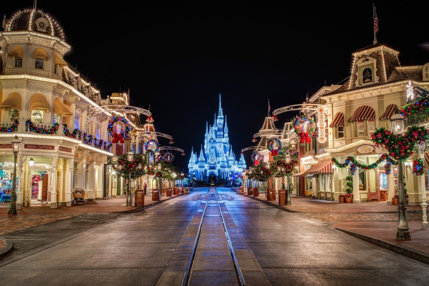 Christmas Is The Best Time To Visit Disney World Simplemost