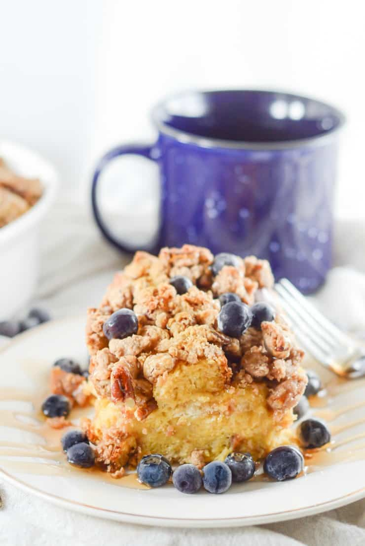 SIMPLE Baked Cinnamon French Toast - the perfect Brunch or lazy Sunday morning breakfast #brunch #frenchtoast #simplepartyfood