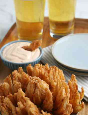 How to Make your own Bloomin Onion #bloomingonion #outback # outbackcopycat #partyfood #simplepartyfood