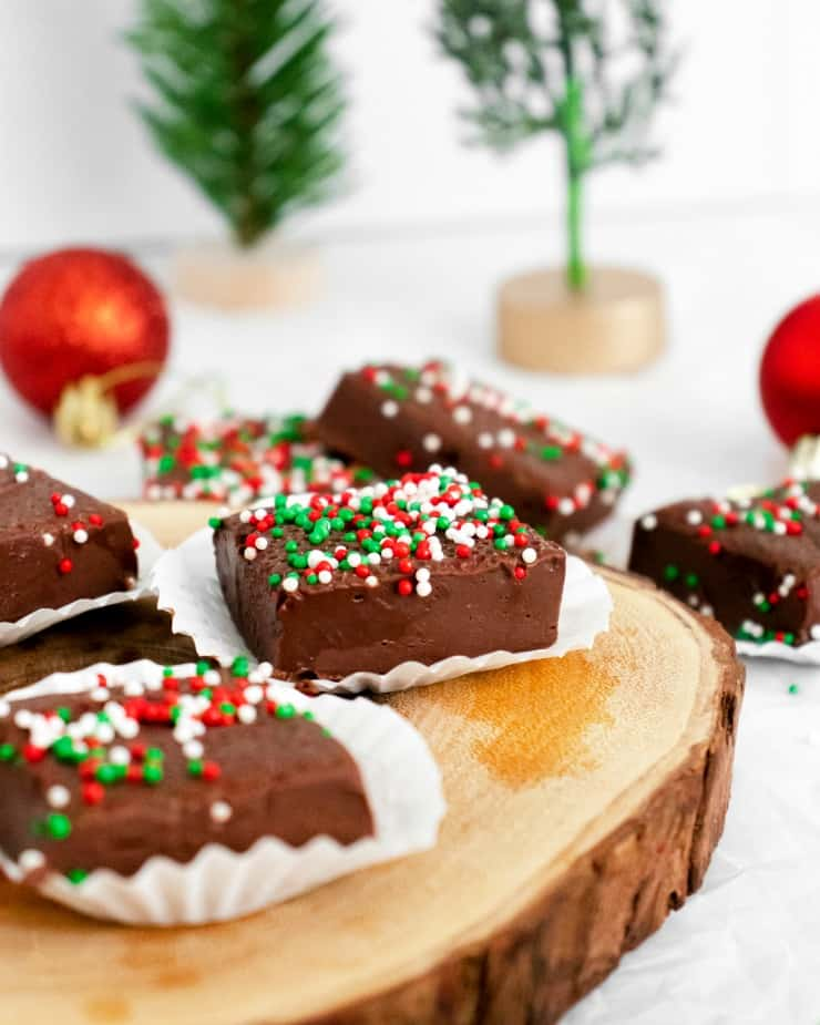 SIMPLE Christmas Fudge - only 3 ingredients will give you the smoothest most delicious fudge #holidaydesserts #fudge #simplepartyfood