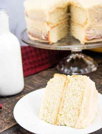How to make a SIMPLE White cake with a vanilla buttercream frosting - #1 choice of most bakers