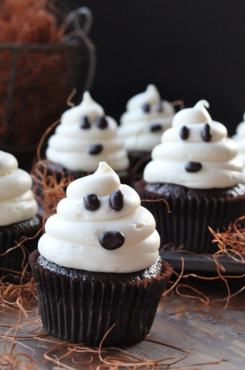 20-Sweet-Treats-for-Halloween-Party-2-620x933