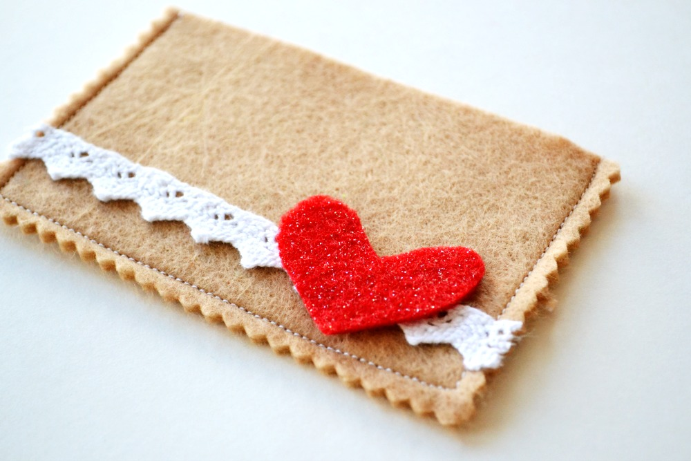 Gift Card Lace with heart