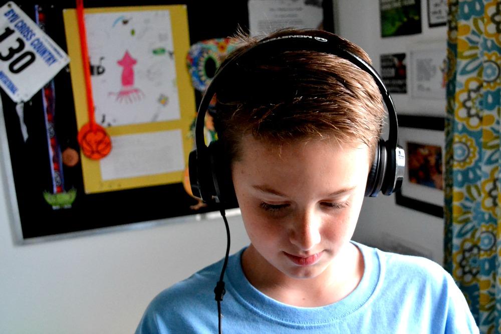 Monster N-Tunes Simon