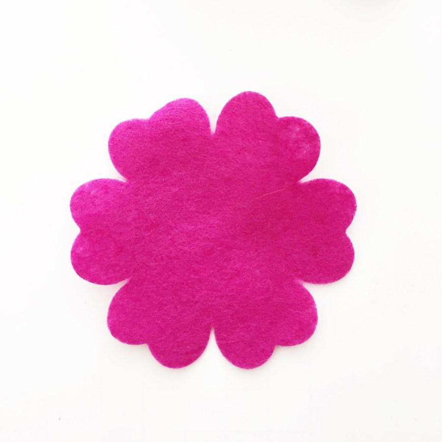 Diy felt flower bouquet tutorial simple simon and company pictapgo image 56 izmirmasajfo