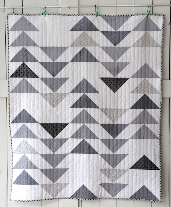 15 Flying Geese Quilts for Inspiration - Simple Simon and Company : flying goose quilt - Adamdwight.com