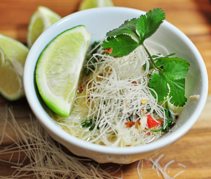slow cooker thai chicken noodle soup