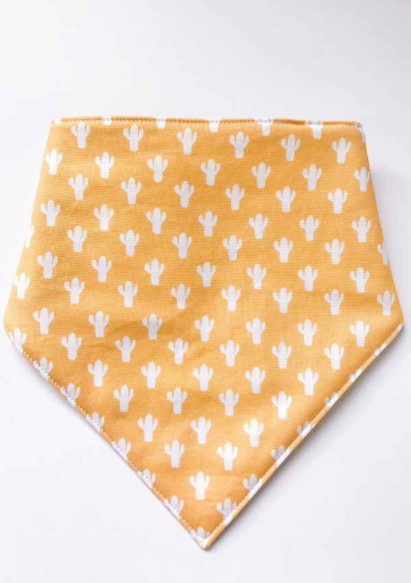 Simple Triangle Baby Bib Tutorial