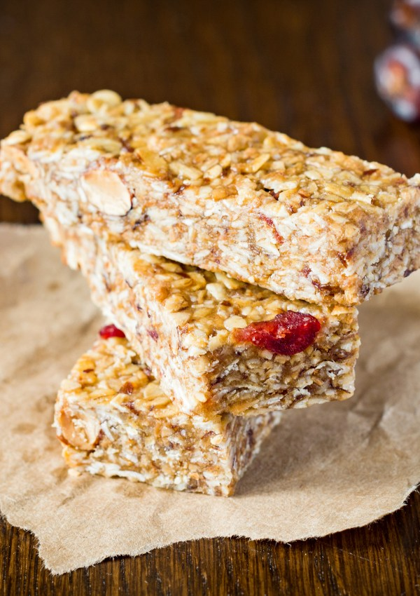 Soft and Chewy Granola Bar Recipe