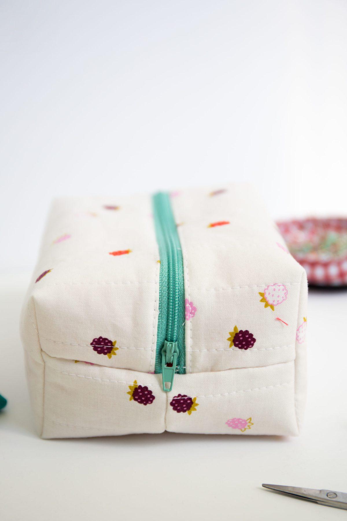 Tis the Season to Sparkle zipper pouch zipper bag,