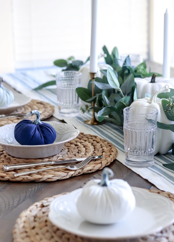 Simple Fall Tablescape To Elevate Your Dining Space