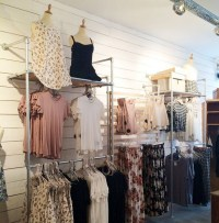 39 DIY Retail Display Ideas (from Clothing Racks to ...