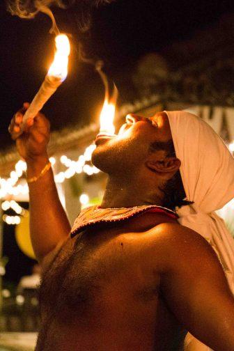 Sri_Lanka_Feuerspucker