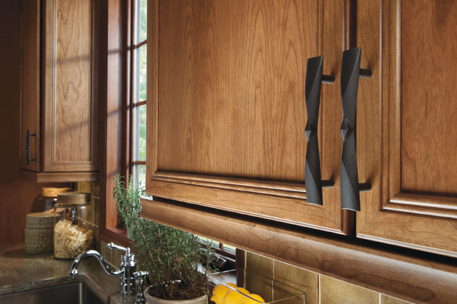 black kitchen cabinet pulls aid gas grills choosing new hardware and handles flat