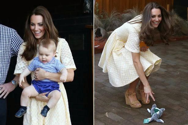 左圖 : 小喬治跟爸爸穿同色系父子裝。右圖 : 小喬治狠摔布偶,媽媽凱特示範如何優雅地撿起來
