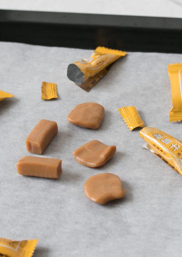 caramel-stuffed-chocolate-cookies-06