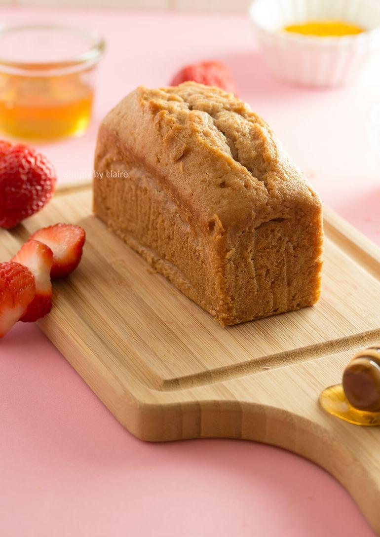 蜂蜜草莓磅蛋糕