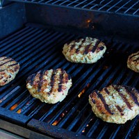 9-25: Juicy Grilled Meat Patties