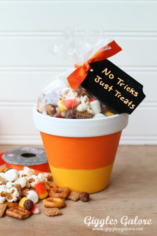 Halloween-Candy-Corn-Pots