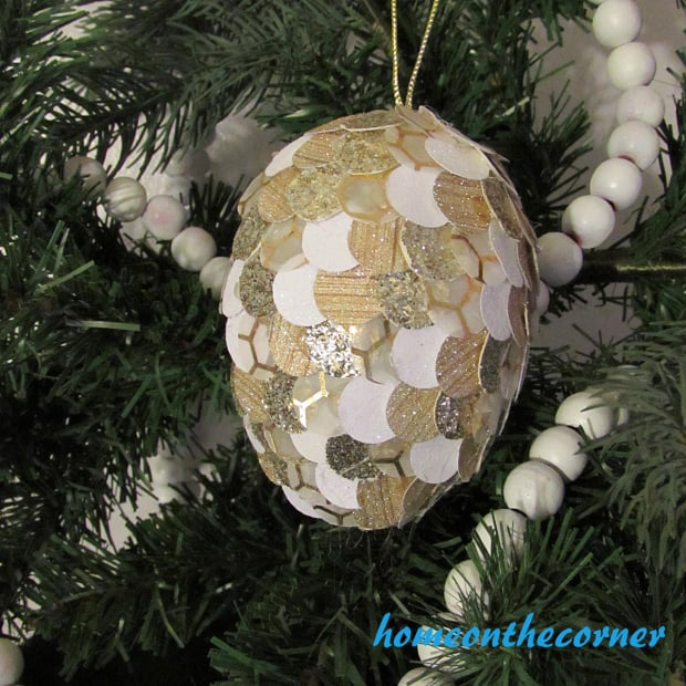 christmas-pinecone-ornament