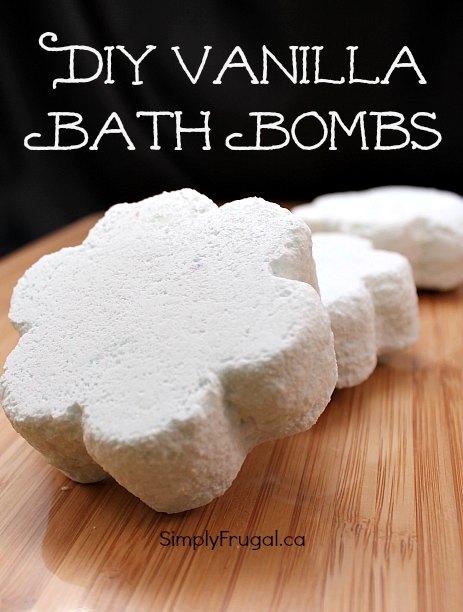 DIY Vanilla bath bombs.