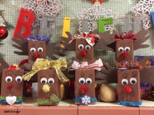 Reindeer holiday decor. Makes a great gift for your students to give their families!