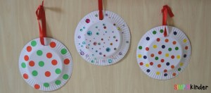 Paper Plate Christmas Ornaments feature