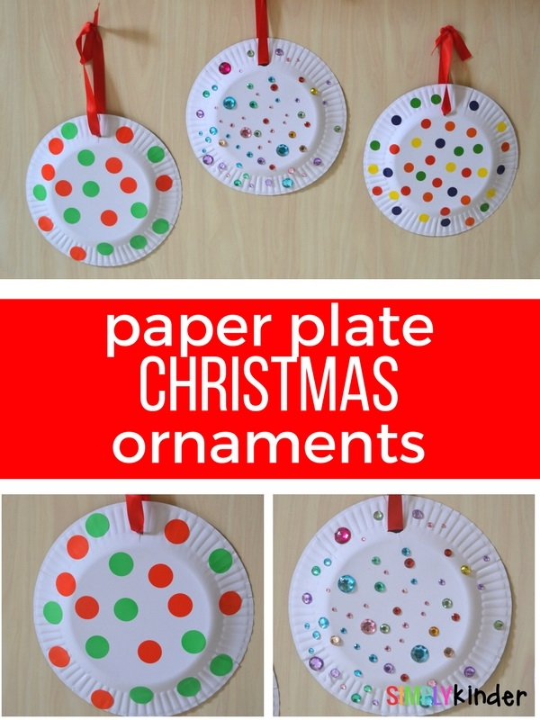 Paper Plate Christmas ornaments - a perfect fine motor Christmas Activity for Kinder or Preschool. #paperplates #Christmascrafts #simplykinder #kinder