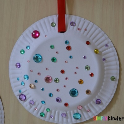 paper plate Christmas ornaments adhesive beads